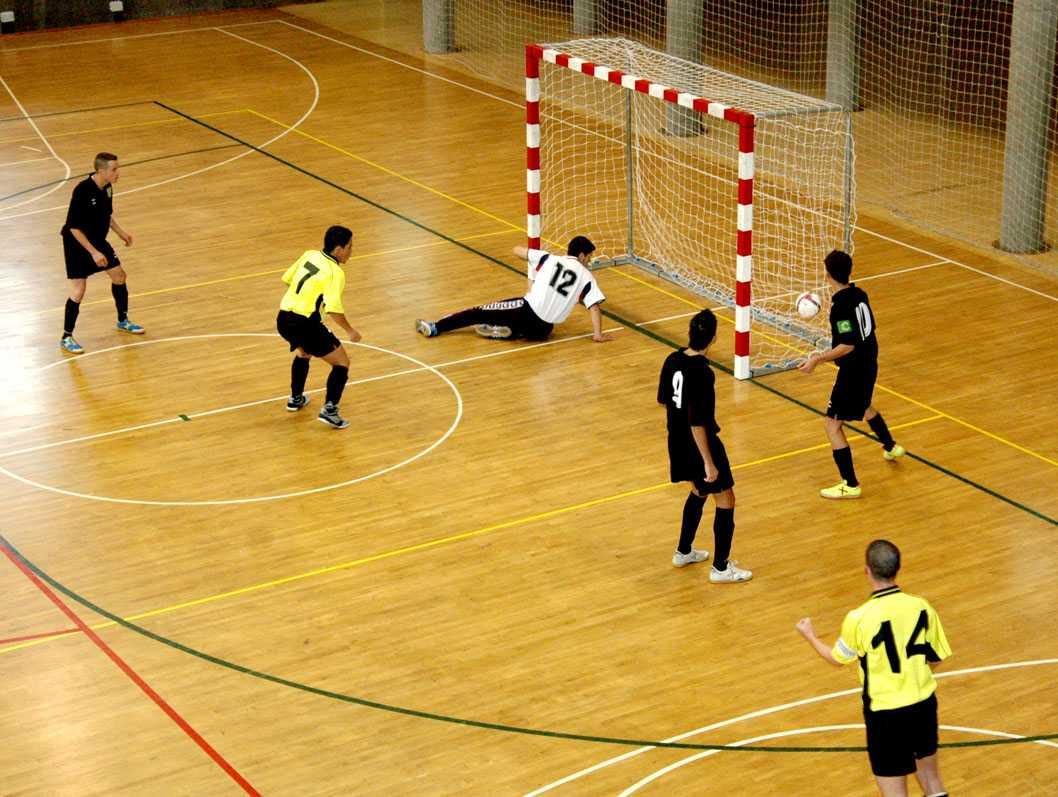 Historia y or genes del f tbol sala o futbito for 5 reglas del futbol de salon