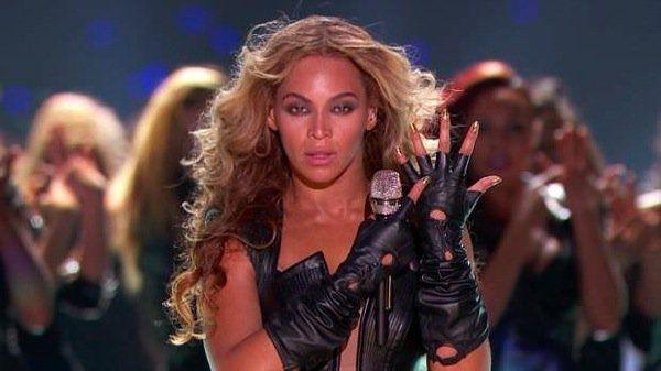 Beyonce en el descanso de la Superbowl